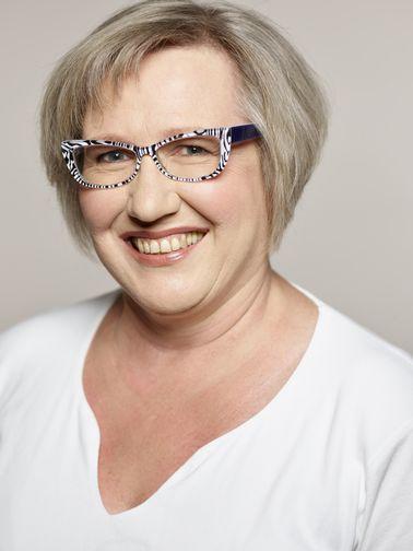 Heike Engelhardt, AsF-Kreisvorsitzende und SPD-Landtagskandidatin fordert besseren Schutz von Frauen vor Gewalt.